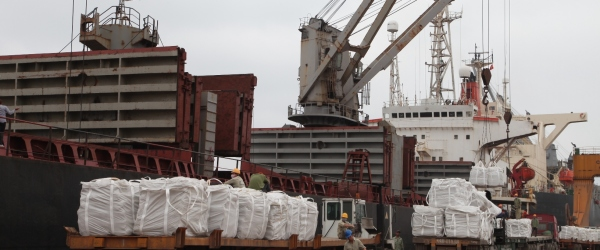 Xi măng xuất khẩu qua Bangladesh