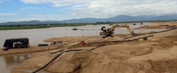 giá cát xây dựng biến động các nhà đầu tư khó khăn kí hợp đồng